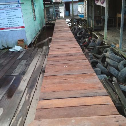 PEMBANGUNAN JEMBATAN WC UMUM RT 3 (UDANG)