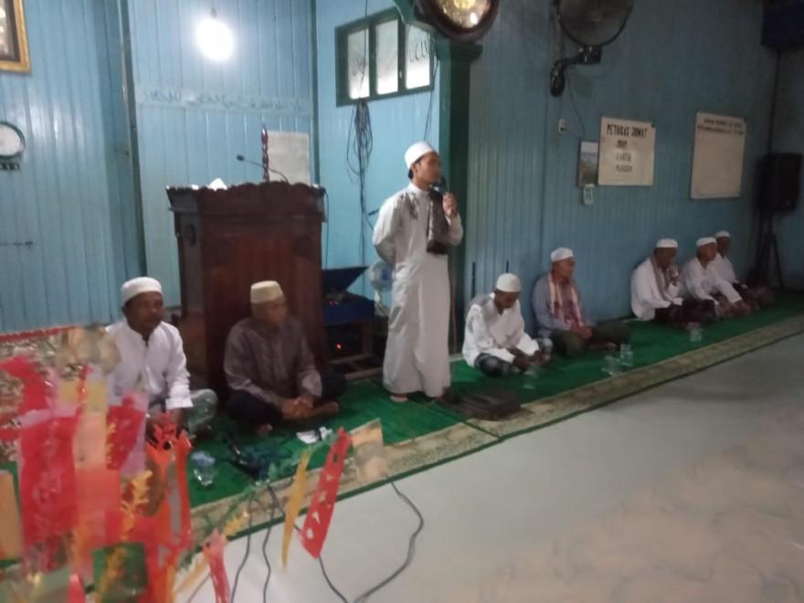 WARGA DESA TANJUNG PUTRI MEMPERINGATI MAULID NABI MUHAMMAD